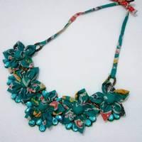 Kalung batik kembang hijau